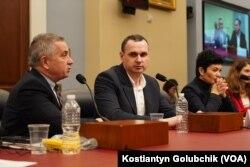 Олег Сенцов під час виступу у Гельсінській комісії США