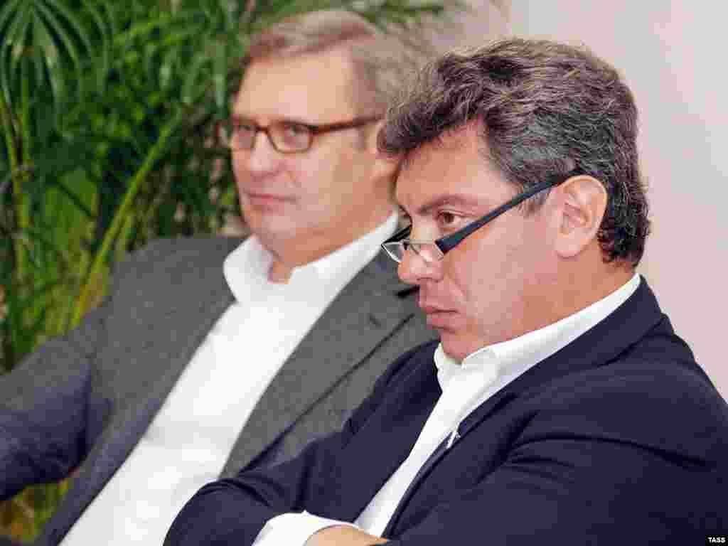 Лидер РНДС М.Касьянов поддержал кандидата в мэры Сочи Б.Немцова