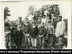Малыя беларусы і немцы на вузкакалейцы пад Смаргонямі