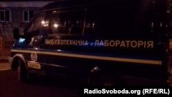 Рятувальники на місці вибуху в Одесі, 23 грудня 2014