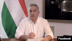 Orbán Viktor bejelenti az új járványügyi intézkedéseket a Facebookon 2020. november 9-én.