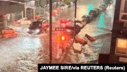 Поплавени улици во Њујорк