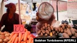 Ошский рынок в Бишкеке. 17 июня 2021 года.