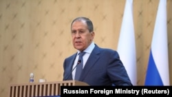 Sergei Lavrov spune că Rusia dorește ca normalizarea relațiilor cu SUA să se bazeze pe acțiuni clare, nu pe vorbe.