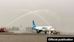 Самолет Airbus-320 Neo авиакомпании Jazeera Airways в Оше. 28 октября 2019 года.