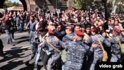 La protestele de la Erevan