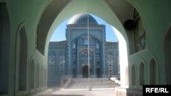 Здание центральной мечети Душанбе. Иллюстративное фото.