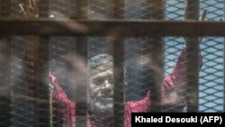محمد مرسی در دادگاه
