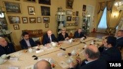 Российские писатели на встрече с Владимиром Путиным