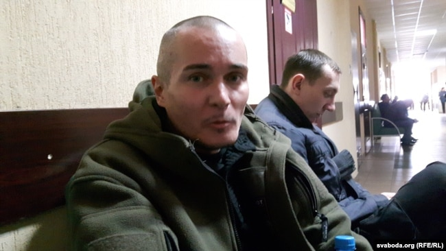 Аляксандар Хаўкін. Перад судамі на затрыманымі на Дзень Волі. Менск, 27 сакавіка