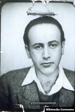 Пауль Целан. Паспортная фотография, 1938 год