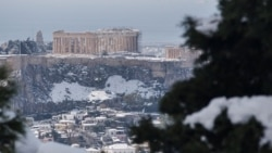 "Циклон ""Медея"" засыпал Грецию снегом"