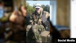 Фото британця Бена Стімсона зі зброєю в руках на окупованій території Донбасу