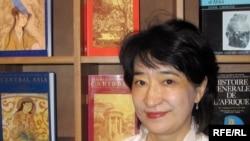 Тарыхчы Анара Табышалиева. ЮНЕСКО, Париж ш. 2009-жылдын 5-октябры.