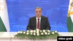 БҰҰ Бас ассамблеясына онлайн қатысқан Тәжікстан президенті Эмомали Рахмон.