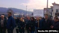 Radnici blokiraju magistralni put Užice - Zlatibor