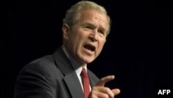 جرج بوش گفته است که دو استان آبخازيا و اوستيای جنوبی همچنان بخشی از خاک گرجستان هستند. (عکس از AFP)