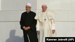 احمد الطیب و پاپ فرانسیس سندی تحت عنوان «برادری انسانها» را امضا کردند