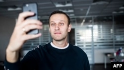 Russian opposition leader Aleksei Navalny shortly after being released being released from a detention center in Moscow on October 22.