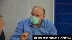 Раководителот на Единицата за јавно здравје во Дебар, епидемиолог Ментор Мела, бара целосно почитување на одлуката на Комисијата за заразни болести