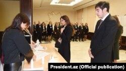 İlham Əliyevin ailəsi parlament seçkilərində. 2015
