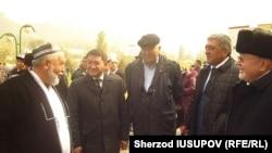 Ўзбекистоннинг 140 кишилик делегацияси 26 октябрда Ўшга келган эди.