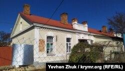 На стене дома №3 по улице Инженерная Балка сохранилась агитационная надпись