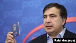 То, как Саакашвили показывал паспорт гражданина Украины, рассказывая, как он путешествует с этим паспортом, наверное, было кульминацией сегодняшней встречи в Варшаве