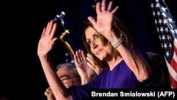 Конгресстеги демократтардын лидери Нэнси Пелоси.