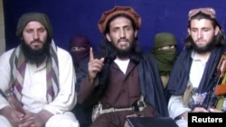 The Pakistani Taliban: sitting together...for now.