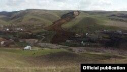 7-апрелде райондун Ничке-Сай айылынын Тилеке-Сарай участкасында эки турак жайды көчкү басып калган.