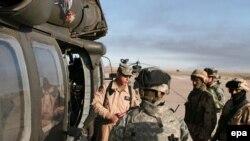 Согласно недавним данным газеты USA Today, с осени 2003 года из американских вооруженных сил дезертировало по меньшей мере восемь тысяч военнослужащих