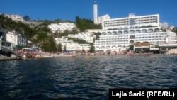Gradske plaže u Neumu bile su prepune turista i 28. avgusta 2020 Photo: Lejla Sarić (RFE/RL)