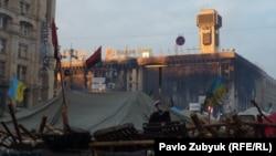 """""""20. Майдандагы каршылыкты өзгөрткөн күндүн 20 күбөсү"""" аттуу тасма Киевдеги 20-февралдагы окуяларга арналган."""