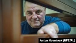 Крымскотатарский активист Эдем Бекиров в суде, архивное фото