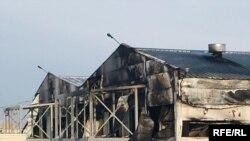 Сгоревшие помещения. Район железной дороги, Астана, 10 ноября 2009 года.