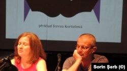 Scriitorul Adrian Schiop prezentat publicului din Brno de traducătoarea Tereza Kortusová