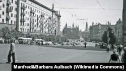 Москва, улица Горького. 1957 год