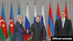 Președinții Sarkisyan, Medvedev și Aliev
