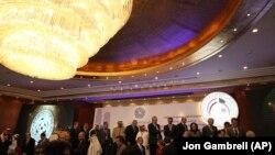 کنفرانس بینالمللی کویت که قرار است راههای بازسازی اقتصاد و زیرساختهای عراق را بررسی کند، سه روز طول خواهد کشید.