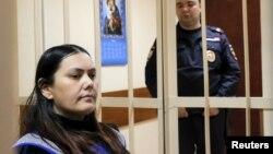 Gulchekhra (Gyulchekhra) Bobokulova, dadoja që i preu kokën fëmiut rus, në seancën e gjyqit