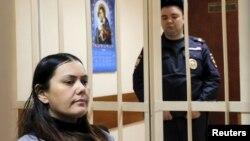 Гүлчехра Бобокулова сот залында. Москва, 2-март, 2016-жыл.