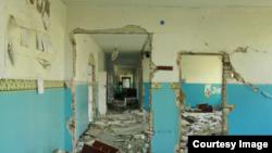 Зруйнована школа на Донбасі (ілюстраційне фото)