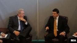 Средба на министрите за надворешни работи на Македонија и Грција Никола Попоски и Димитрис Аврамопулос.