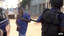 Одна зі звільнених заручниць у Малі