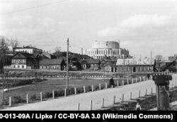 Травень 1943 году, від на опэрны тэатар