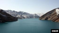 رود وخش یکی از بزرگترین رودهای تاجیکستان