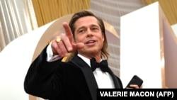 """Брад Пит дочака своя """"Оскар"""" за актьорска игра"""