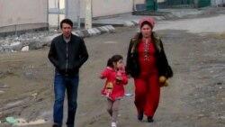 Türkmenabatda adamlar 'häkimiýetlere nägilelik bildirip, proteste çykdy'