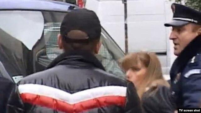 Policija hapsi građane koji ne dozvoljavaju iseljenje porodice Matić